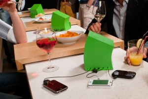 portable-phone-charging-station-4